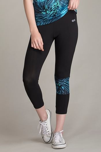 Front listing image for Gym/Sports Activewear Printed Capri in Green & Black